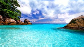 Peacesful_Tropical_Lagoon